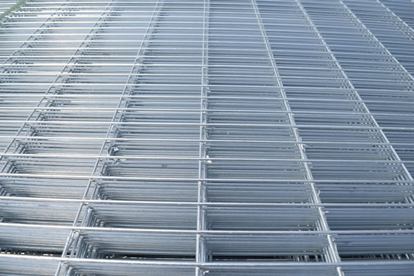 Mesh Panels for Greenhouse Bench